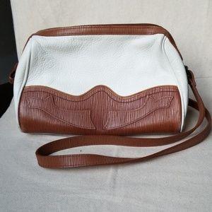 Liz Claiborne// Vintage leather handbag